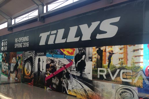 tillys shopping mall barricade graphics