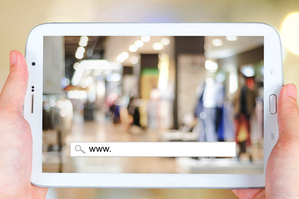 Sell online and retail stores - different experiences